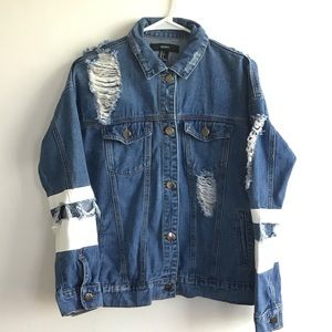 FOREVER 21 distressed jean jacket S